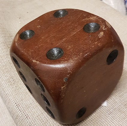 wooden dice 150mm