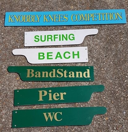 seaside direction signs