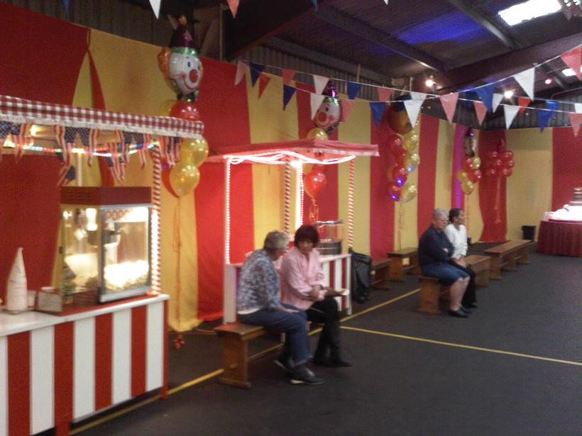 fun fair walling